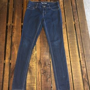 Maurices dark wash jegging (Size Small)